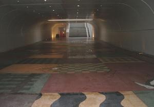Detalj från gångtunneln i Sundbyberg
